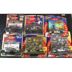 Miniaturas Colecionáveis - Carros de Corrida de Circuito - Diversas Marcas