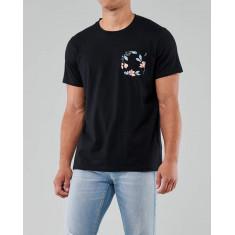 Camiseta Hollister Gola V  Preta com detalhes  - Tam: XL